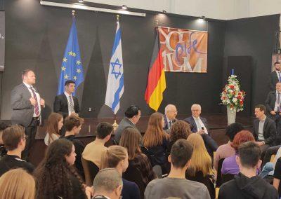 Die Präsidenten Rivlin und Steinmeier im Gespräch mit Schülern des Jüdischen Gymnasiums Moses Mendelssohn
